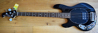 Sterling by Music Man Stingray Ray 34LH Black
