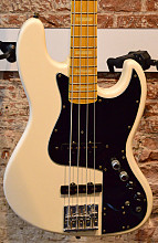 Fender Marcus Miller Jazz Bass OW Japan