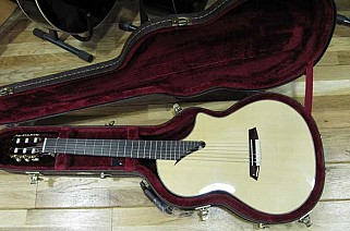 Martinez MSCC14MS maple gitaar