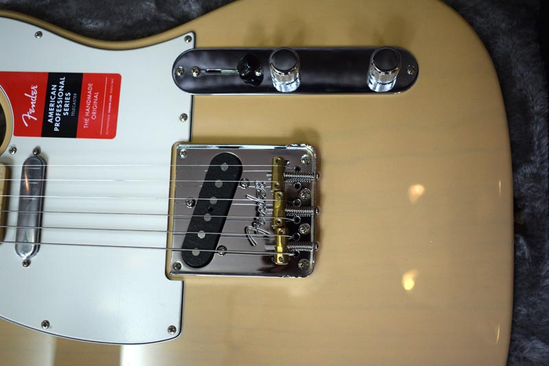 Fender Limited Lightweight Ash American Professional Telecaster Model
