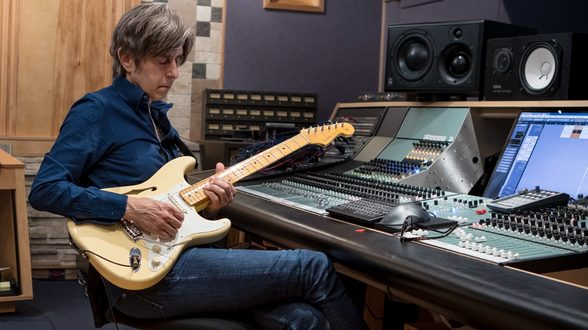 Eric Johnson Fender thinline signature guitar