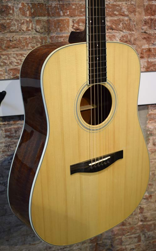 Eastman AC320 dreadnought