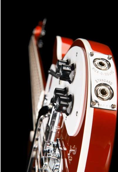 Rickenbacker 4003 Ruby Red gitaar zijblad